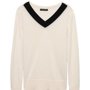Banana Republic•Varsity V Neck Sweater•Size S